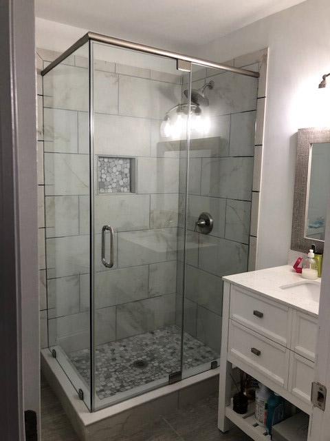 39-Binswanger Glass Shower Bath Enclosures (3)