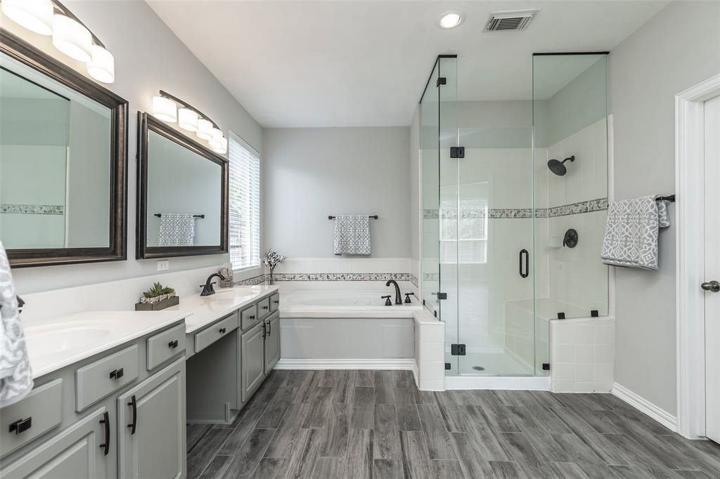 93-Binswanger Glass of Houston shower (1)