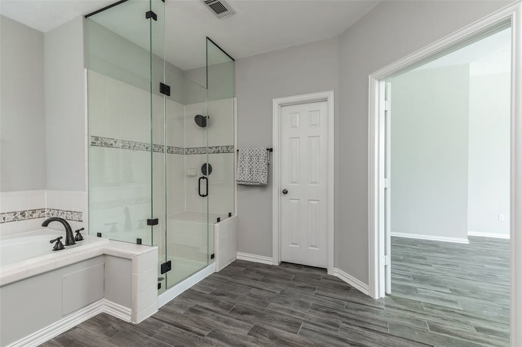 94-Binswanger Glass of Houston shower (2)