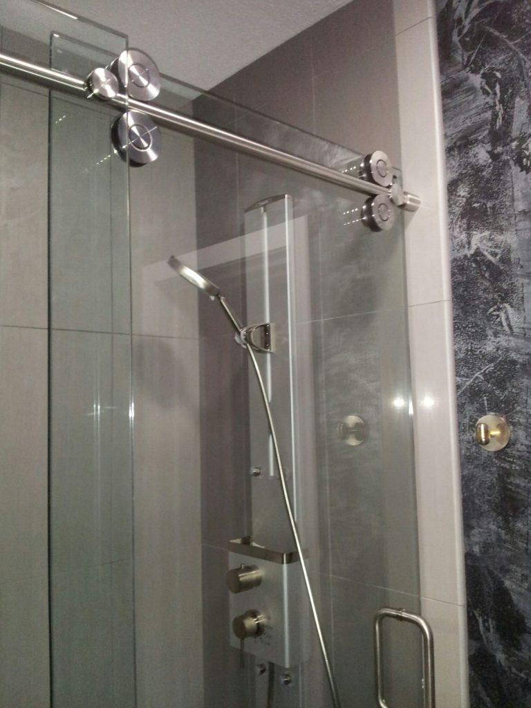 Binswanger Glass Sliding Shower Door (8)